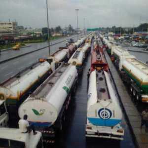Truck drivers protest N10,000 tax, block Abuja-Lokoja-Okene highway